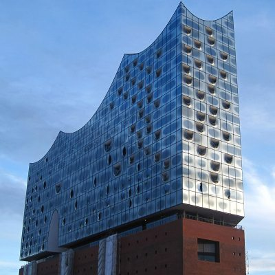die elbphilharmonie in der hamburg pension
